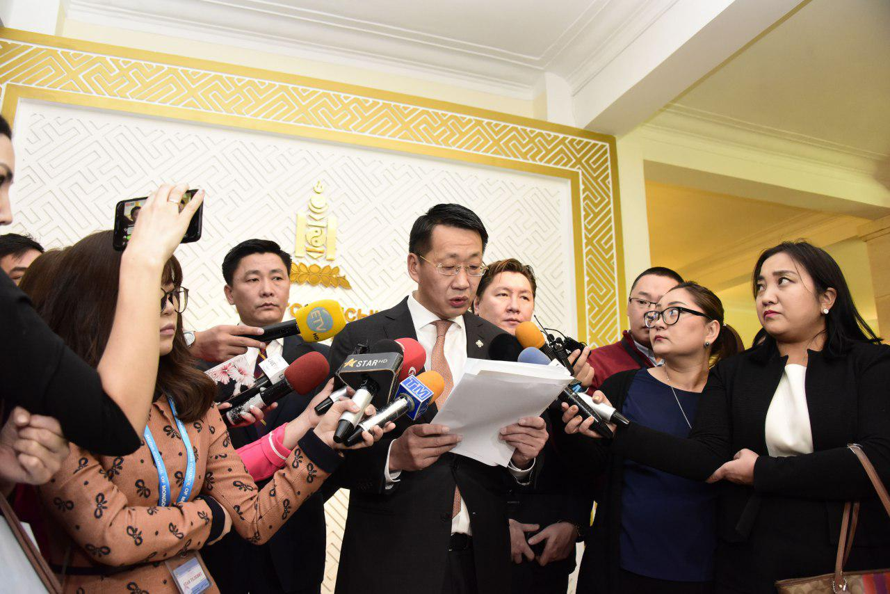 Монгол Улсын Ерөнхий сайд У.Хүрэлсүхэд шаардлага хүргүүллээ