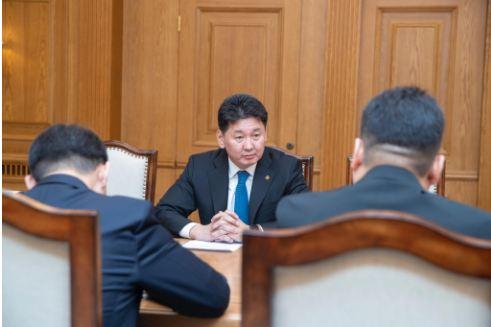 Монгол Улсын Ерөнхий сайд У.Хүрэлсүх Цагдаагийн удирдлагуудад үүрэг өглөө