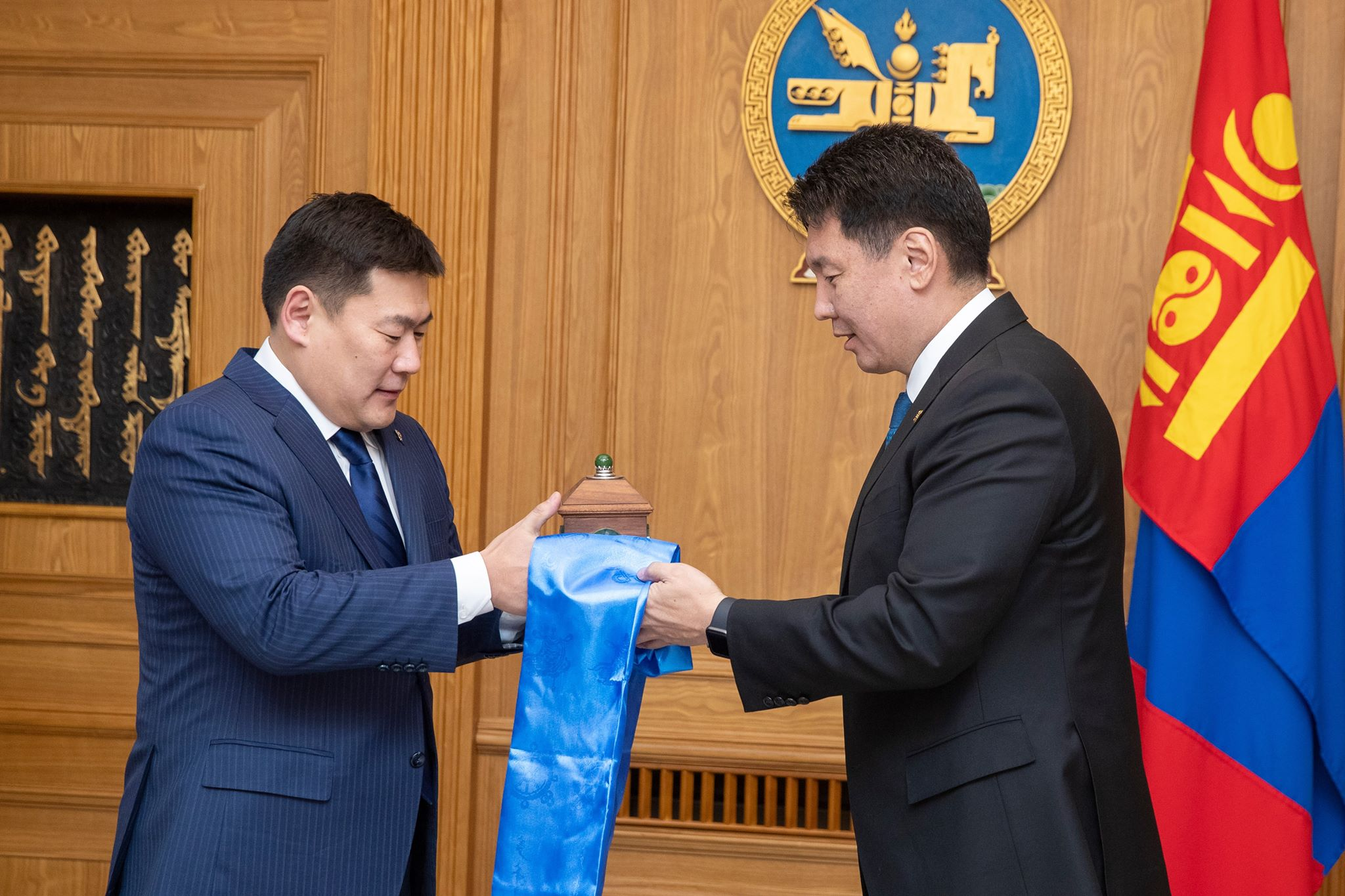 Монгол Улсын сайд, Засгийн газрын Хэрэг эрхлэх газрын дарга Л.Оюун-Эрдэнэ тамгаа гардан авлаа