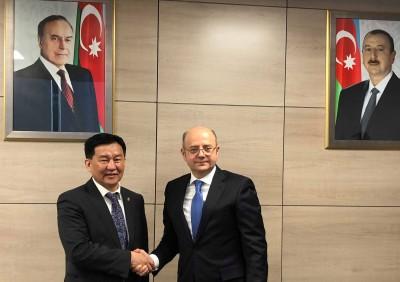 Бүгд Найрамдах Азербайжан Улсад албан ёсны айчлал хийж байна
