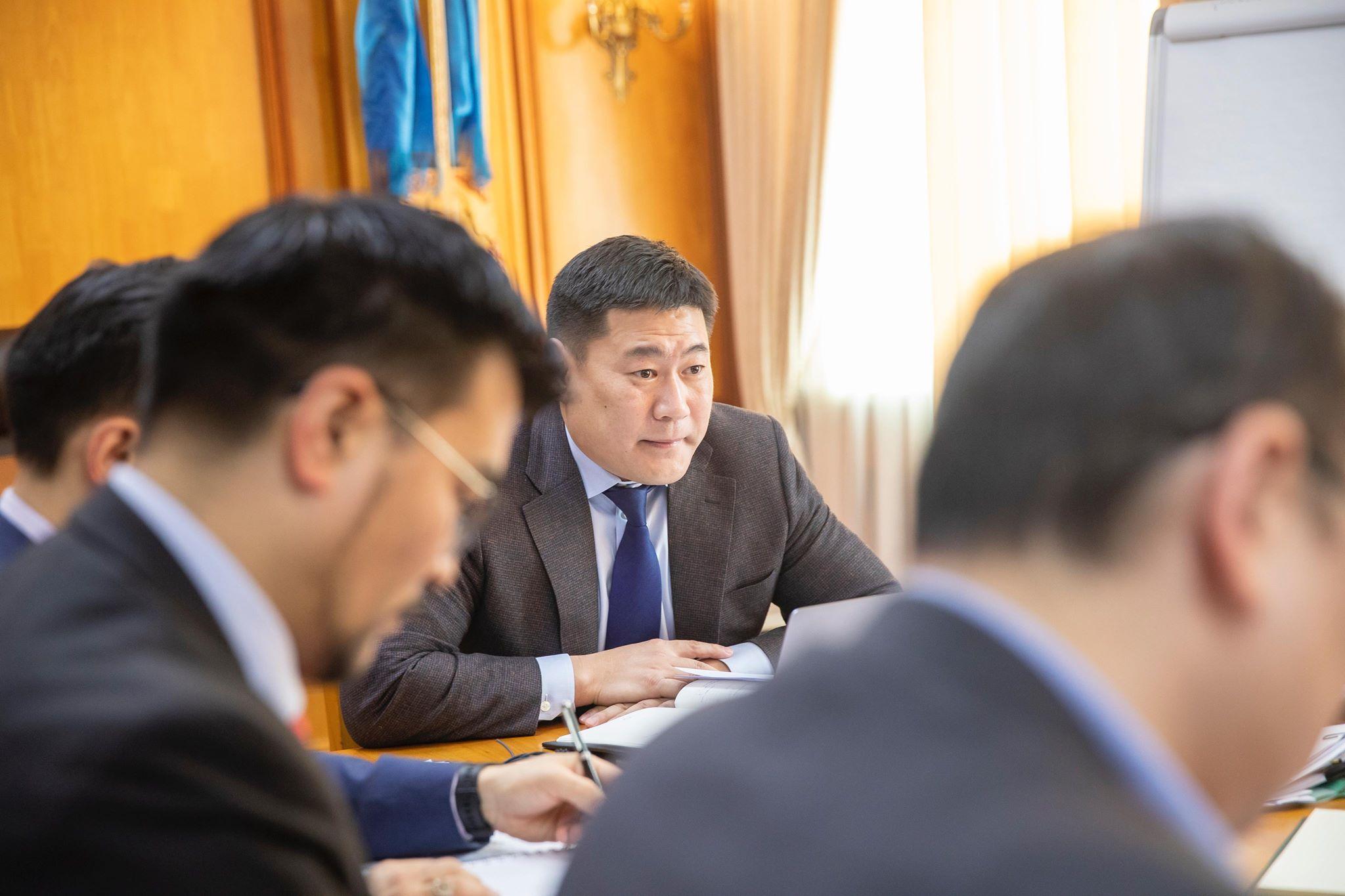 Л.Оюун-Эрдэнэ: Засгийн газар шиг бядгүй ийм байгууллага Монгол Улсад байхгүй