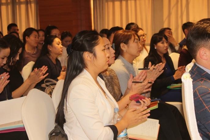 Залуучуудын хөгжлийн үндэсний хөтөлбөрийг батлав