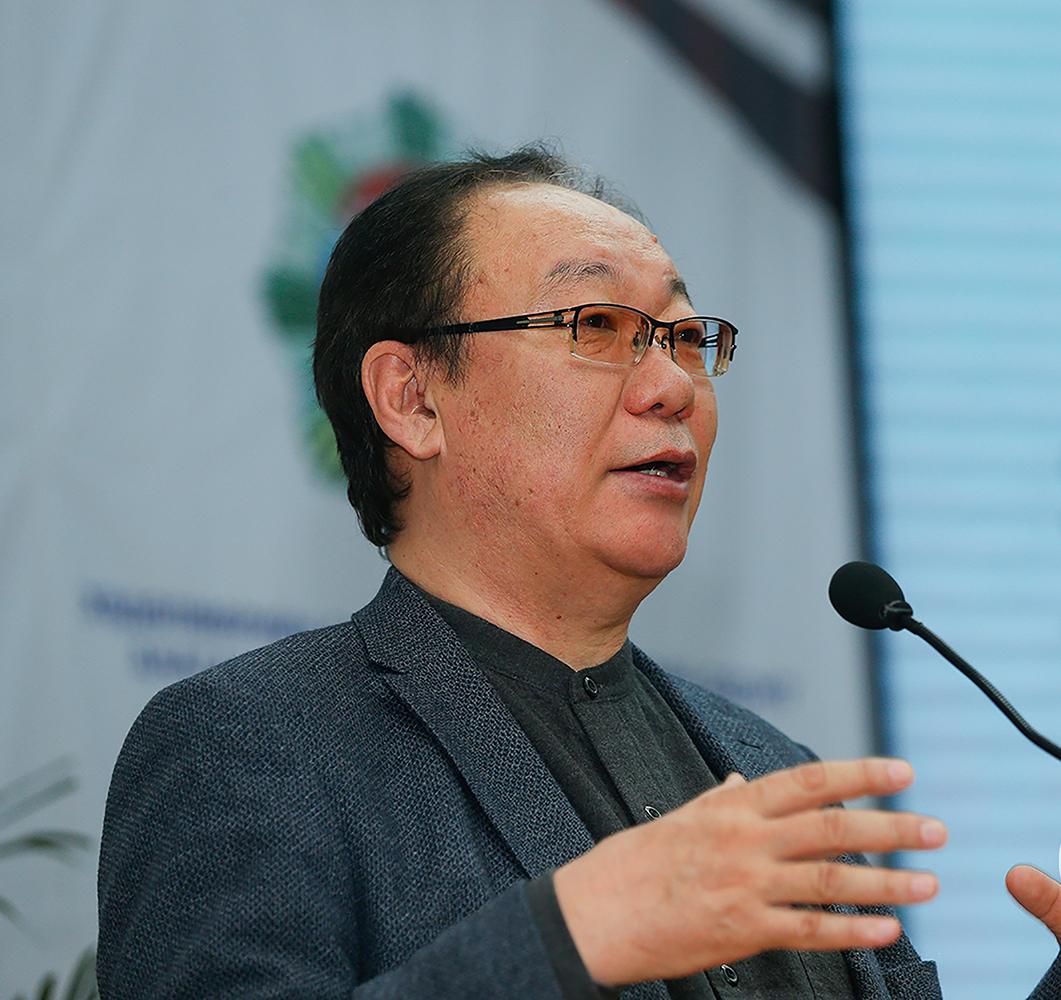 Д.Өлзийбаатар: Монголчууд нэг туган дор нэгдэхээрээ сэргэн өндийдөг