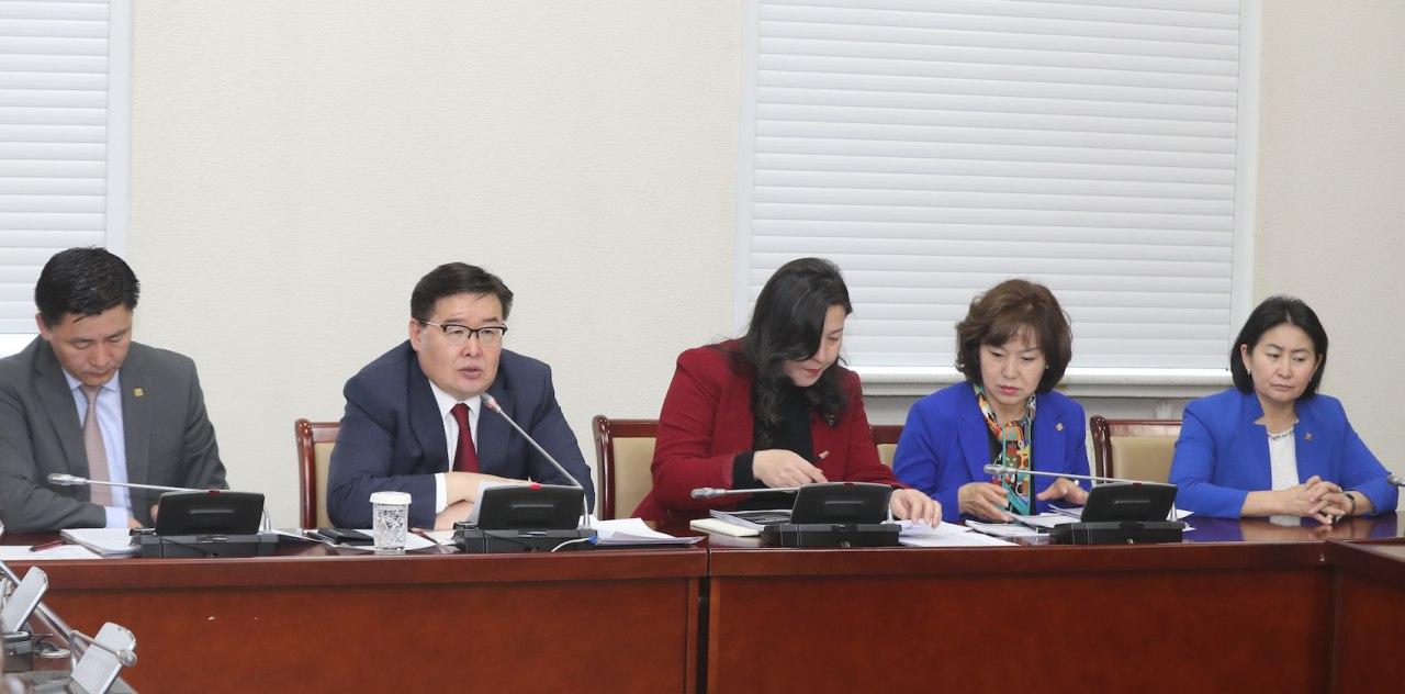 """""""Монгол Улсын хөгжлийн тулгамдсан асуудлууд, түүний учир шалтгаан, шийдэл"""" сэдэвт хэлэлцүүлэг Төрийн ордонд болж байна"""