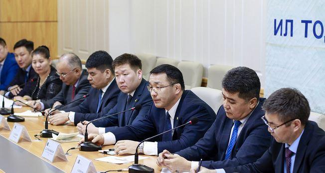 Д.Сумъяабазар: Оюутолгой яах аргагүй Монголын эдийн засаг болчихоод байна