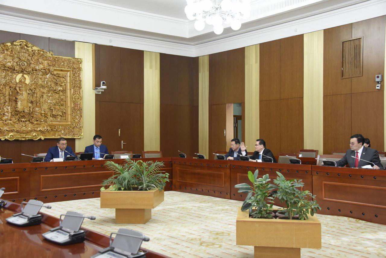 Монгол Улсын нэгдсэн төсвийн 2020 оны төсвийн хүрээний мэдэгдэл, 2021-2022 оны төсвийн төсөөллийн тухай хуулийн төслийн анхны хэлэлцүүлгийг хийлээ
