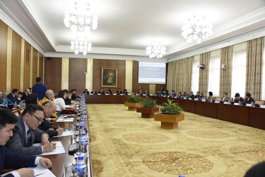 Монгол Улсын эдийн засаг, нийгмийг 2020 онд хөгжүүлэх үндсэн чиглэлийг хэлэлцэж байна