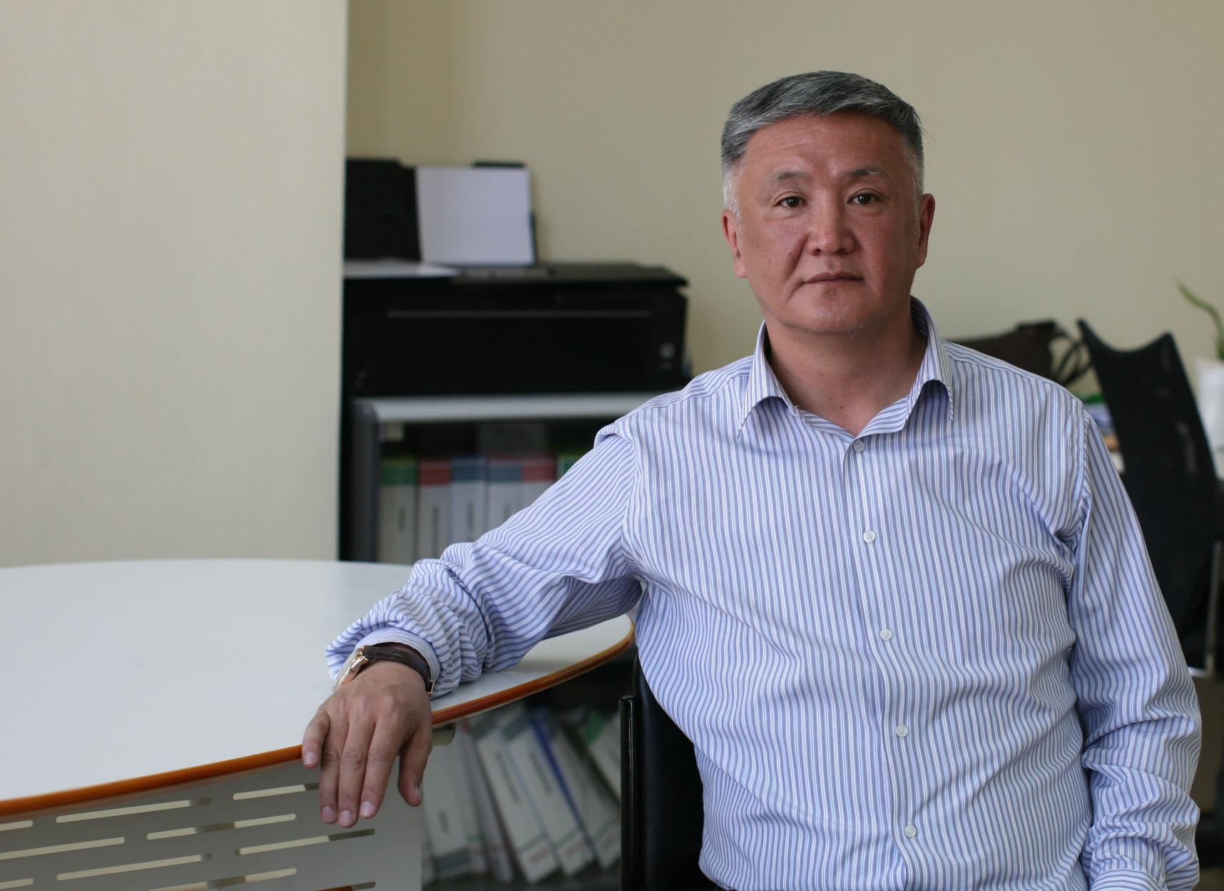 Л.Дуурсах: Монголчуудад хөгжлийн шинэ баримт бичиг биш хөгжүүлэх аргачлал хэрэгтэй байна
