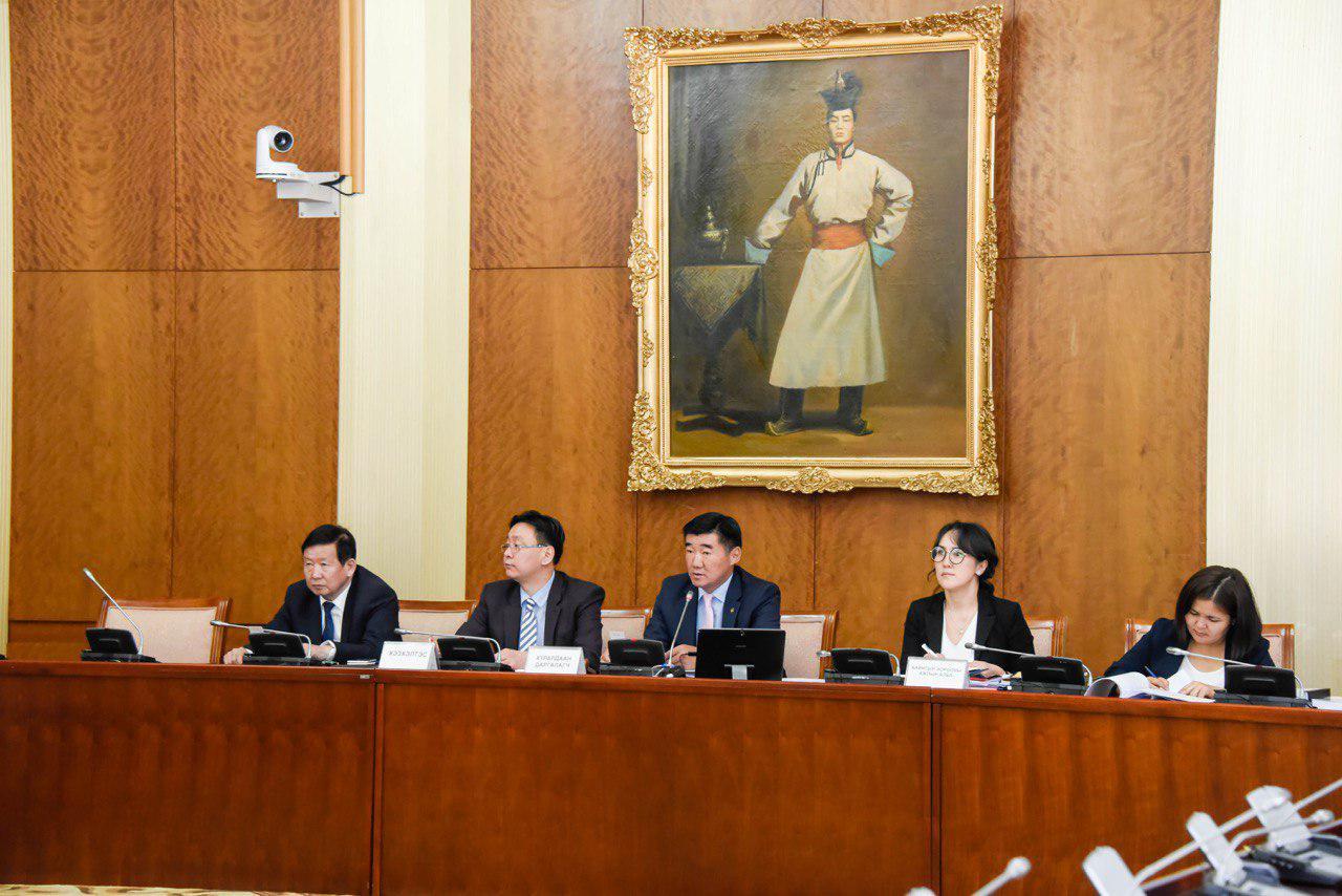 Монгол Улсын Үндсэн хуульд оруулах нэмэлт, өөрчлөлтийн төслийн нэг дэх хэлэлцүүлгийг дэмжлээ
