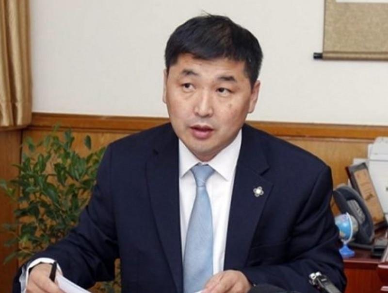 """О.Баасанхүү: """"Стандарт"""" банканд тѳлсѳн 40 сая ам.долларын баримт Монголын талд ИРЭЭГҮЙ"""
