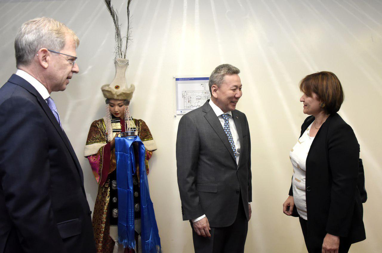 Швейцарын Холбооны Улсын Үндэсний Зөвлөлийн дарга Монгол Улсад албан ёсны айлчлал хийхээр хүрэлцэн ирлээ