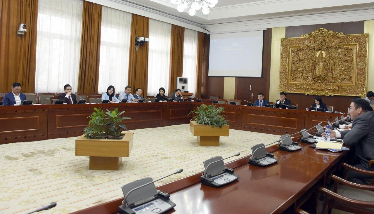 БОХХААБХ: Үндсэн хуульд оруулах нэмэлт, өөрчлөлтийн төслийг хоёр дахь хэлэлцүүлгийг дэмжив
