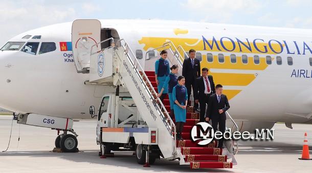 Жилд 3 сая зорчигч,12 мянган онгоц хүлээн авах хүчин чадалтай Хөшигийн хөндийн нисэх  буудал нээгдлээ