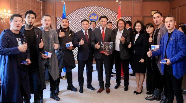 The Hu хамтлагийн уран бүтээлчид соёлын тэргүүний ажилтан боллоо