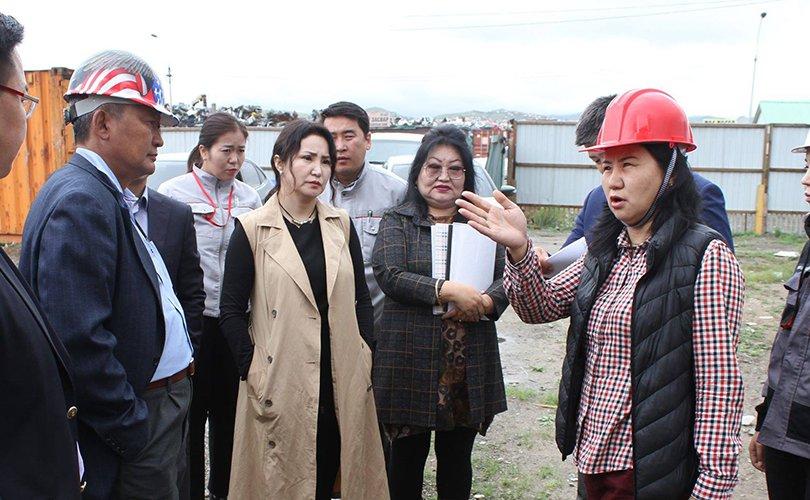 Баянгол дүүрэгт баригдаж буй сургууль, цэцэрлэгийн барилгын ажлын явцтай танилцлаа