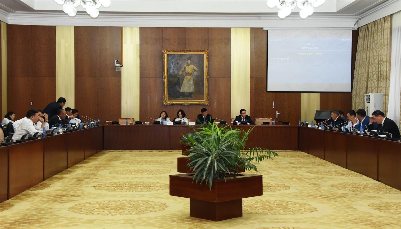 ТББХ: Монгол Улсын Үндсэн хуульд оруулах нэмэлт, өөрчлөлтийн төслийн хоёр дахь хэлэлцүүлгийг үргэлжлүүлэв