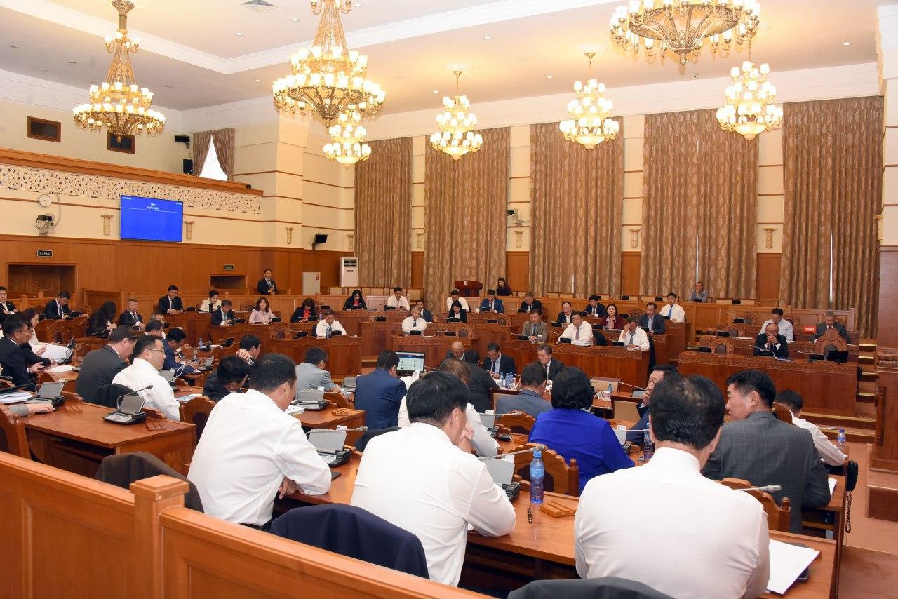 Улсын их хурлын чуулганы үдээс хойших нэгдсэн хуралдаан эхэллээ