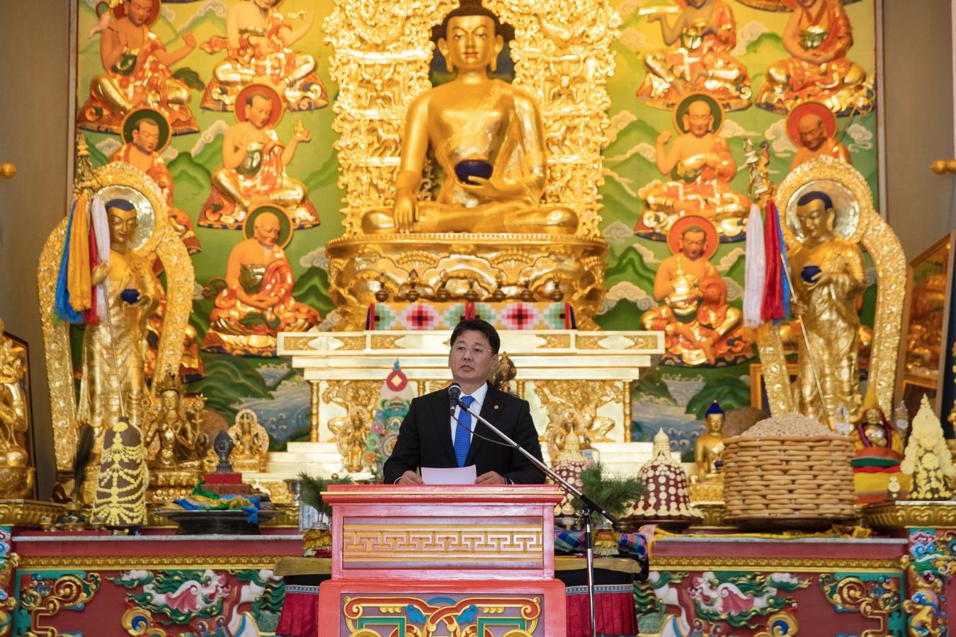 """Монгол Улсын Ерөнхий сайд """"Батцагаан цогчин дуган""""-ыг нээх ёслолд оролцож, үг хэлэв"""