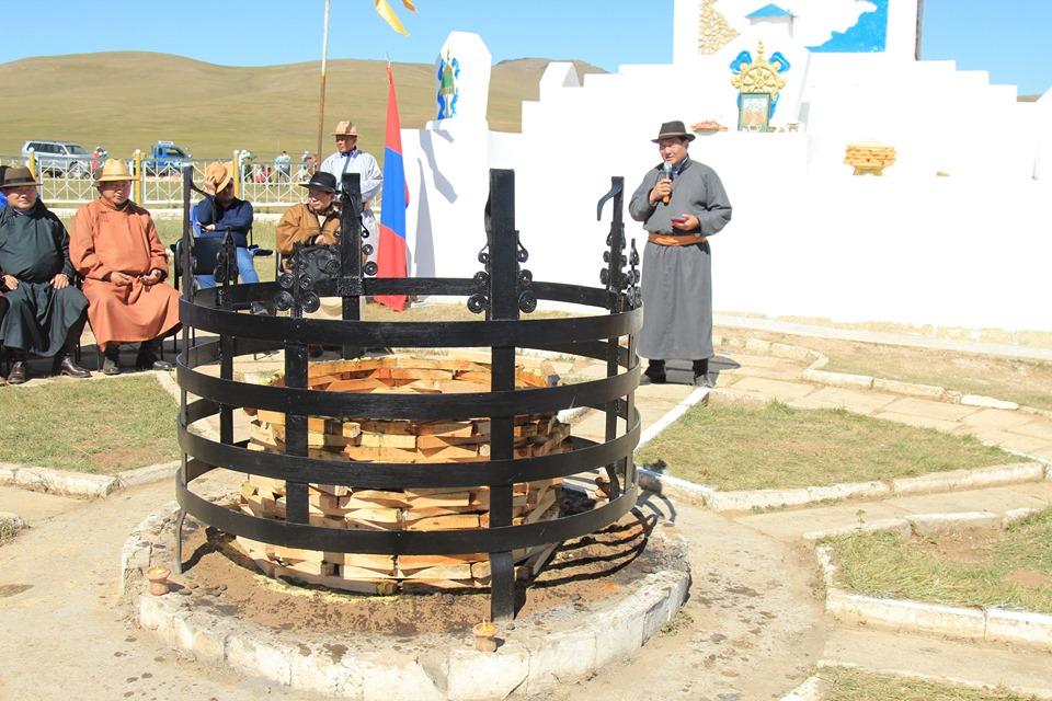 Монгол Улсын төв цэгийн галын тэнгэрийг цэнгүүлэв