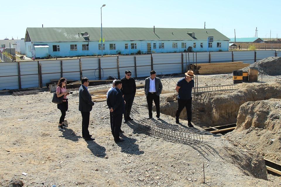 Өвөрхангай аймгийн Баянгол сумын Соёлын төвийн барилгын ажлыг эрчимжүүлэх үүрэг өглөө