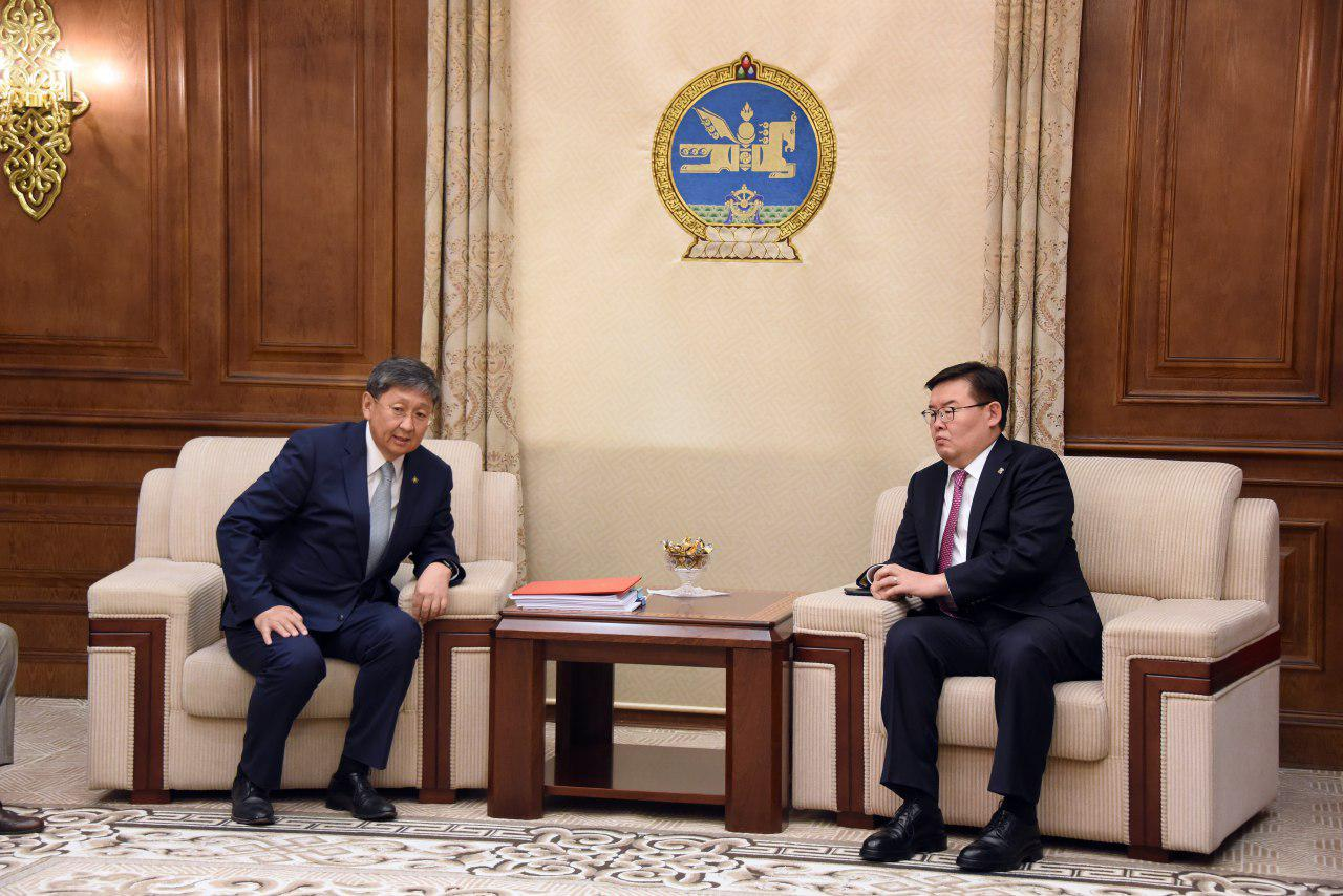 Монгол Улсын 2020 оны төсвийн тухай хуулийн төсөл өргөн барилаа