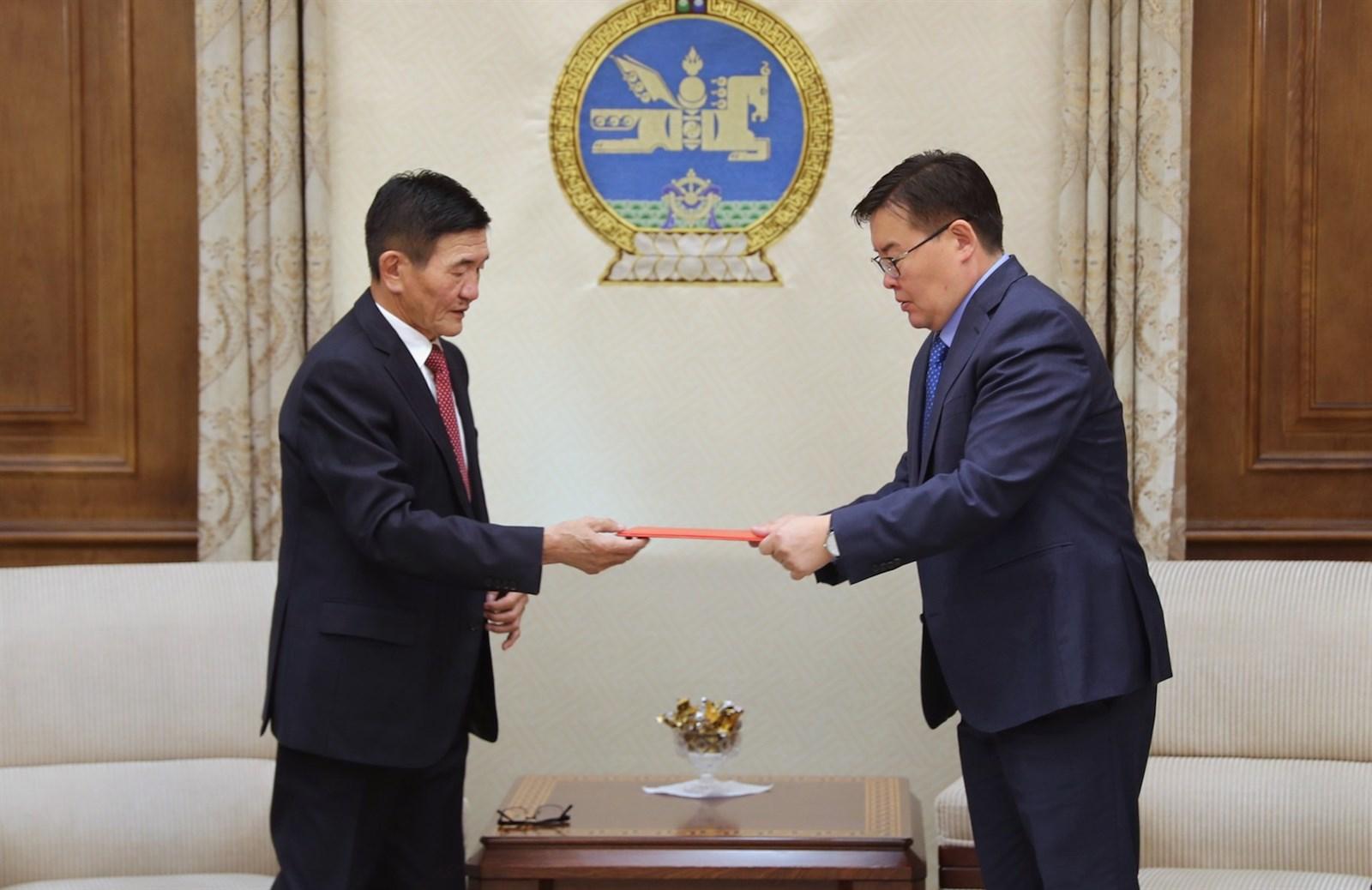 Монгол Улсын иргэн гадаадад зорчих, цагаачлах тухай хуулийн төсөл өргөн барилаа