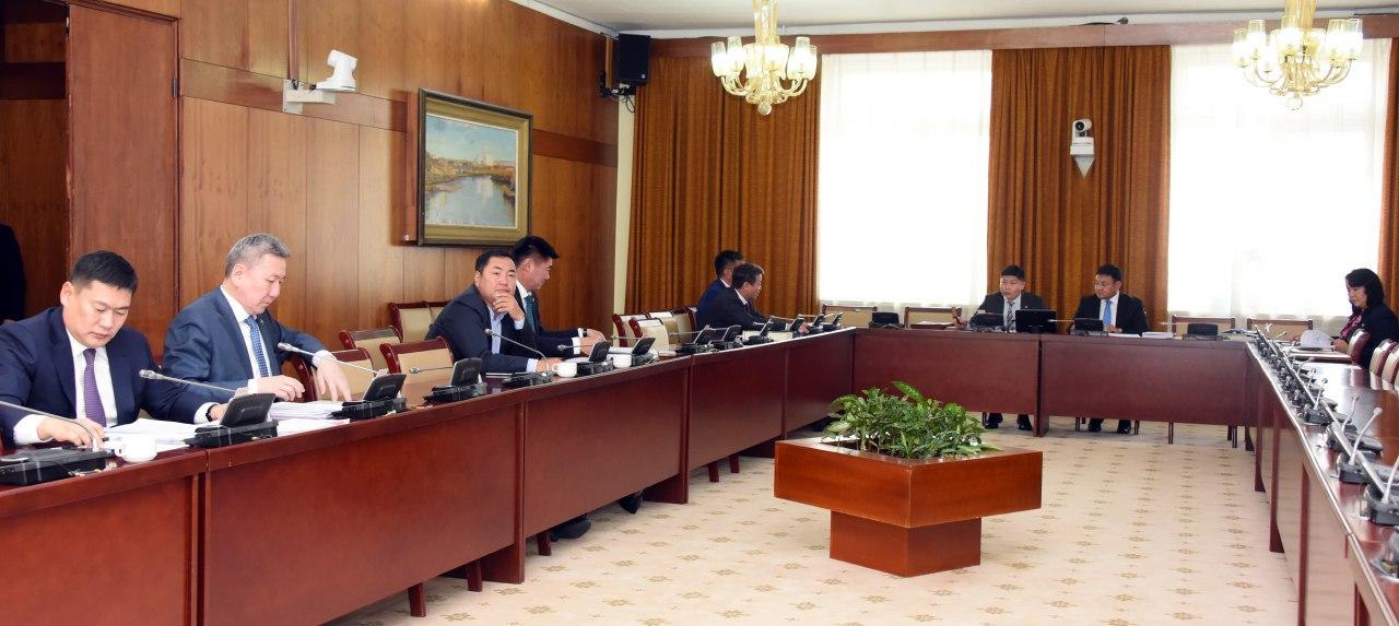 Монгол Улсын Иргэн гадаадад зорчих, цагаачлах тухай хуулийн шинэчилсэн найруулгын төслийг хэлэлцэхийг дэмжив
