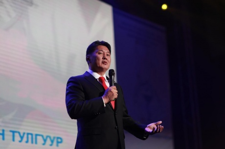 Ерөнхий сайд Монголын эмч нарын VI их хуралд оролцож үг хэлэв