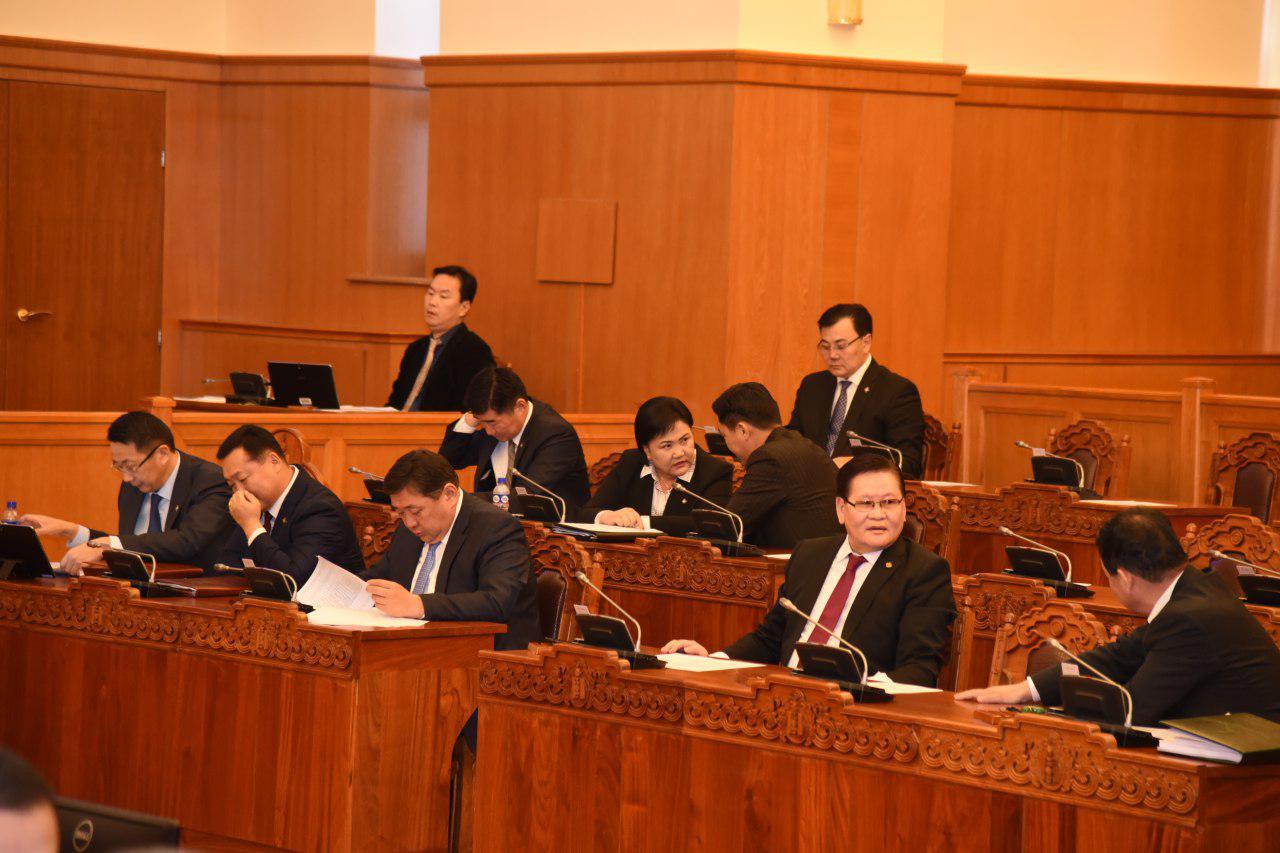 Монголбанкны ерөнхийлөгчийг чөлөөлөх асуудлыг 5 хоног хойшлууллаа