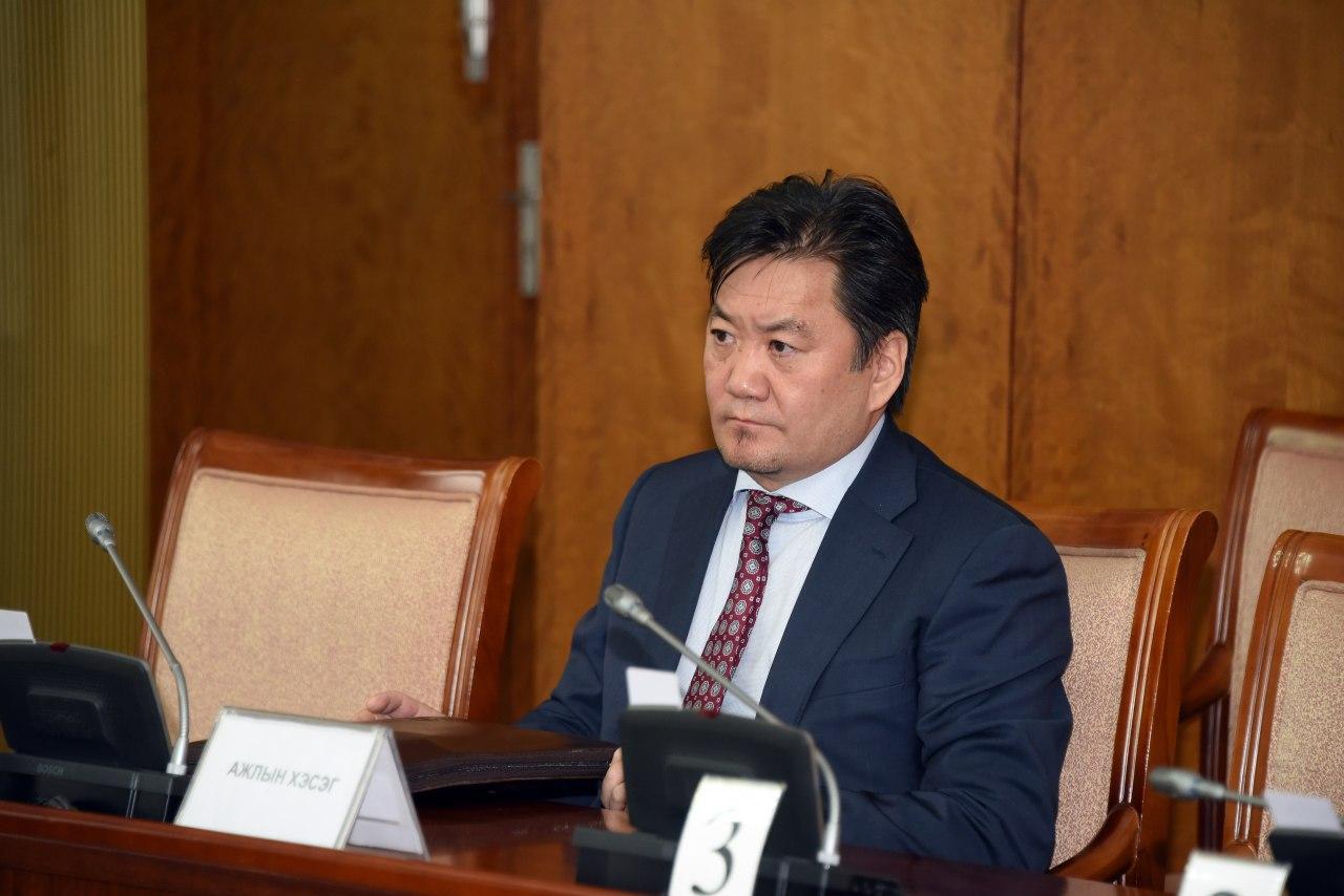 Монголбанкны Ерөнхийлөгчөөр Б.Лхагвасүрэнг томилохыг Байнгын хороо дэмжив