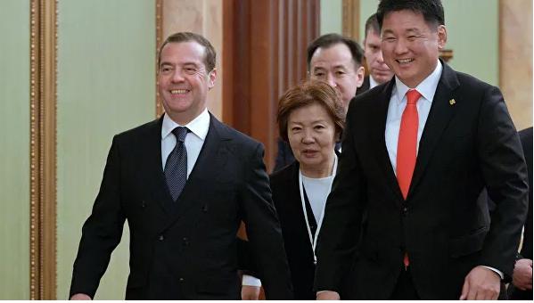 Д.Медведев: УБТЗ-д тулгуурлан тээврийн шинэ зурвас байгуулах боломжтой