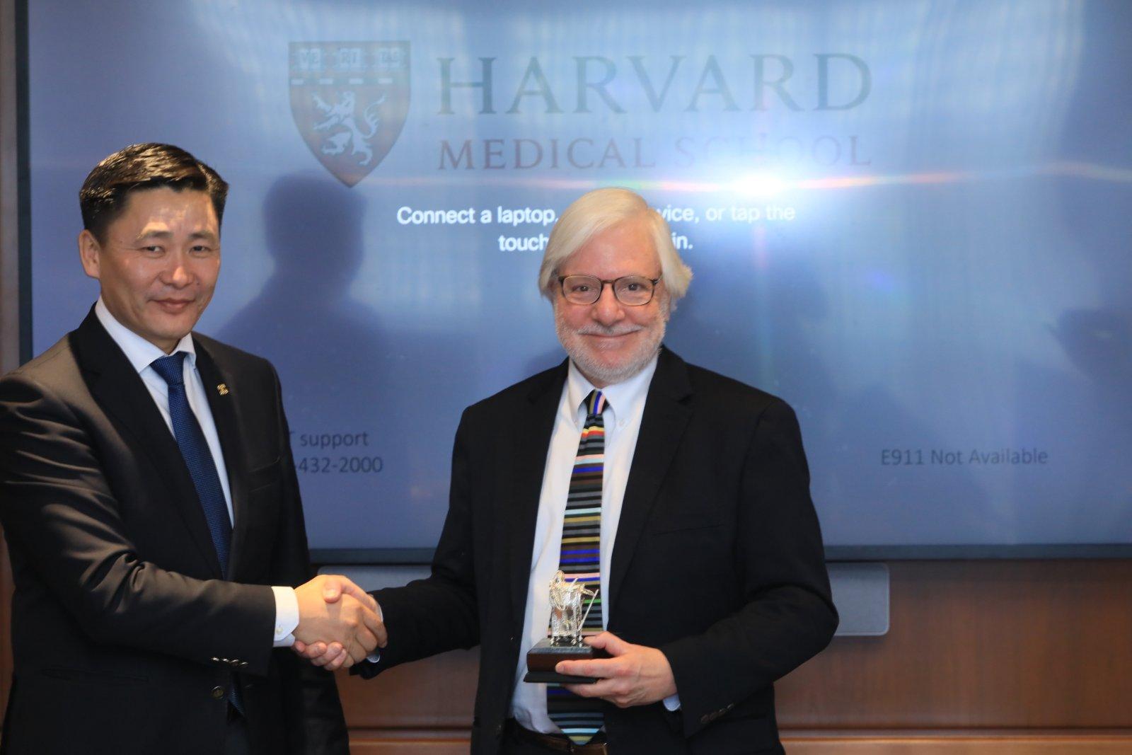 Харвардын их сургуульд клиникийн эмнэлзүйн эмч нар суралцах эрх нь нээлттэй боллоо