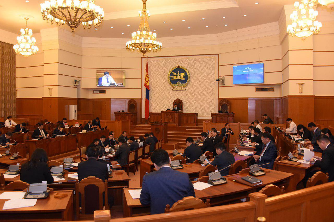 Улсын Их Хурлын сонгуулийн тухай хуулийг эцсийн хэлэлцүүлэгт шилжүүллээ