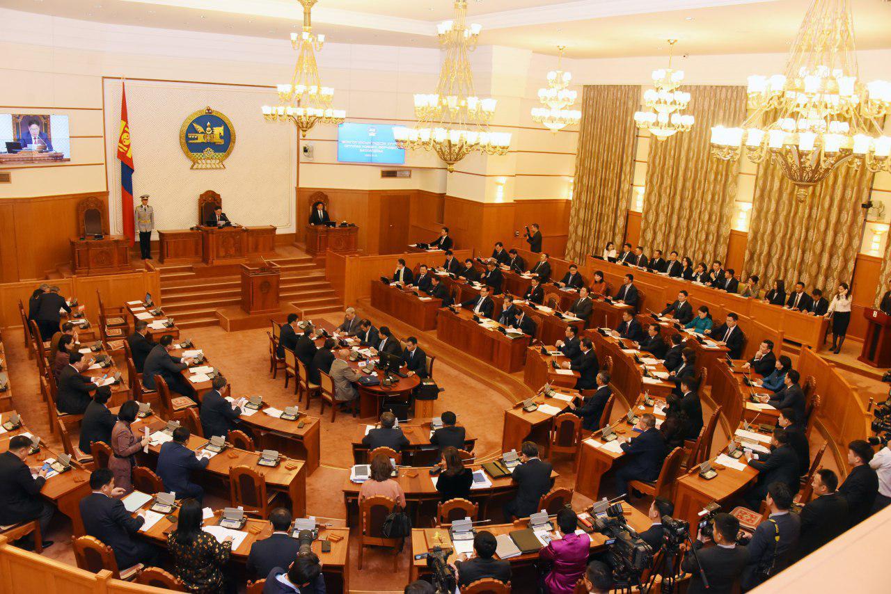 Монгол Улсын Ерөнхийлөгчийн сонгуулийн тухай хуулийн төслийг хэлэлцлээ