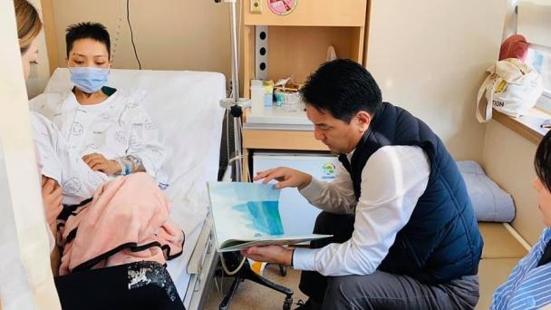 УИХ-ын гишүүн Ж.Ганбаатар гурав дахь хавдартайгаа тэмцэж буй Б.Мөнхтуяатай уулзжээ