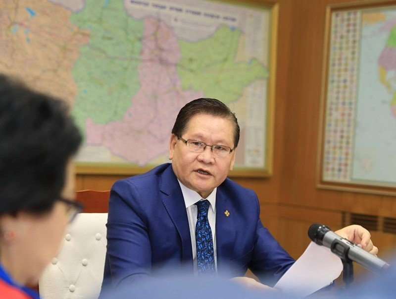 Монгол Улсын Шадар сайд Ө.Энхтүвшин нийт эцэг, эхчүүдэд хандаж уриалга гаргалаа