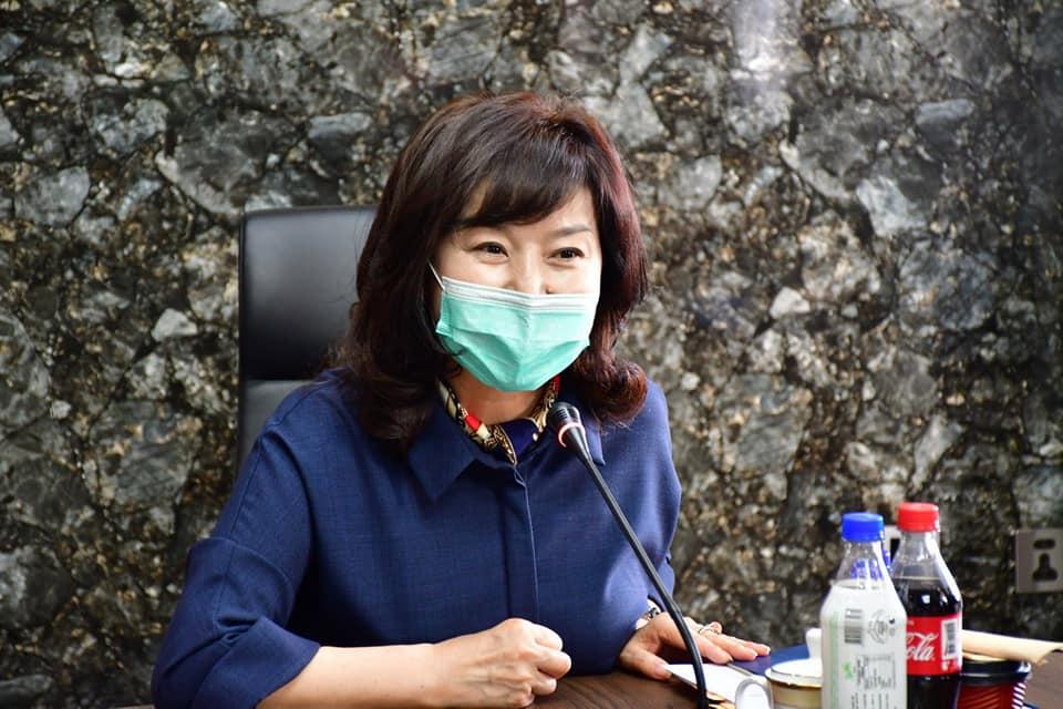 Эмнэлзүйн зөвлөх баг коронавируст халдварын оношилгоо эмчилгээний талаар зөвлөлдлөө