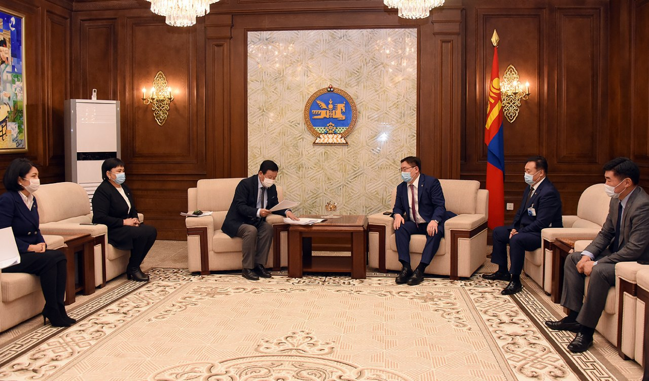 Монгол Улсын Их Хурлын чуулганы хуралдааны дэгийн тухай хууль (шинэчилсэн найруулга)-ийн төслийг өргөн барив