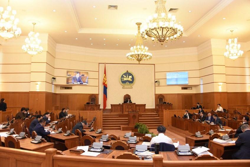 Улсын Их Хурлын гишүүн С.Бямбацогт, Ж.Энхбаяр нараас Цэргийн алба хаагчийн тэтгэвэр, тэтгэмжийн тухай хуулийн хэрэгжилтийн талаар асуулга тавилаа