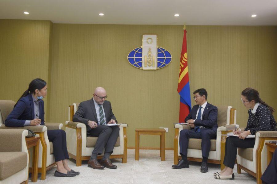Францын өндөр технологийг Монголд нутагшуулахад хамтран ажиллахыг хүсэв