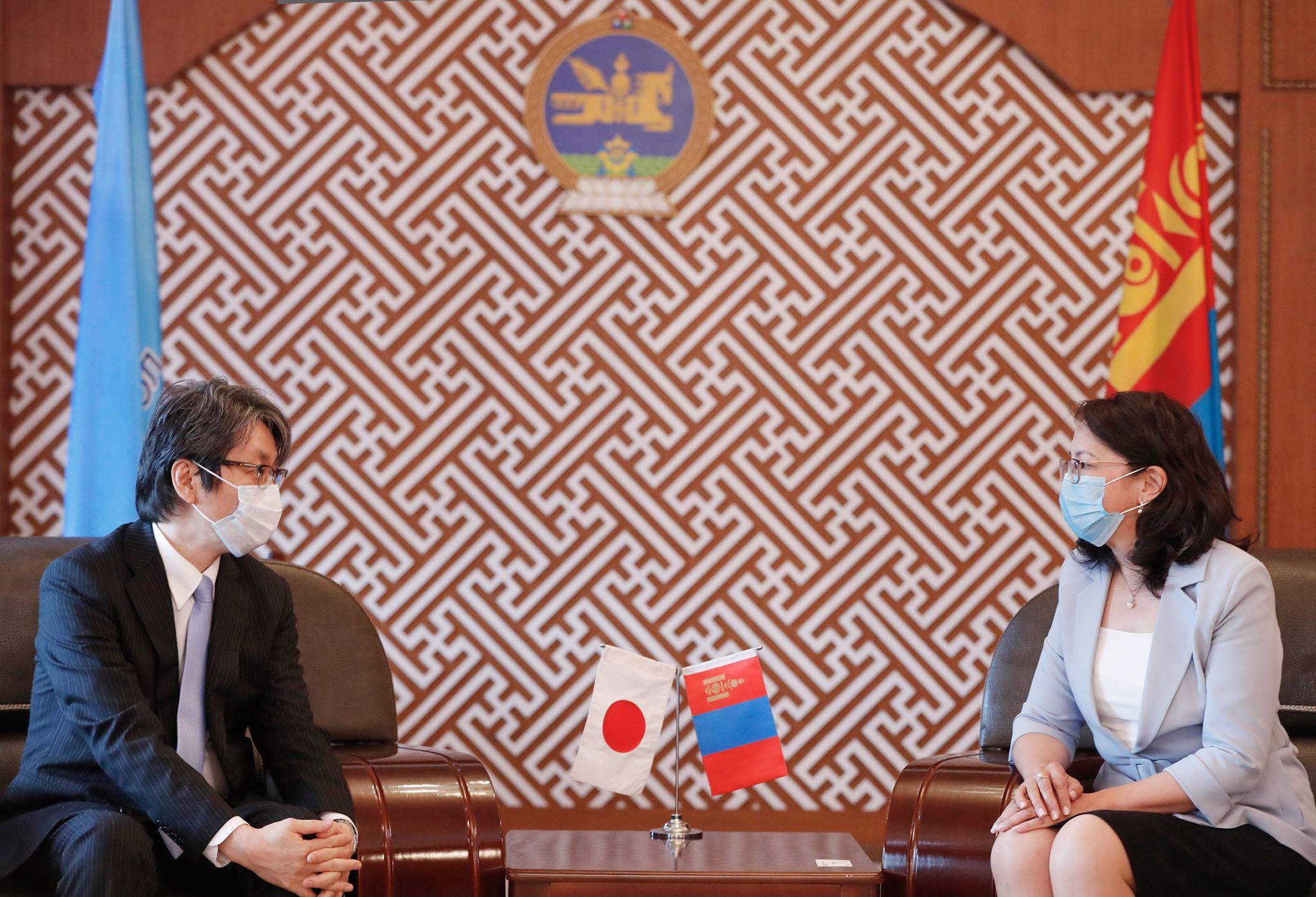 Япон улсын элчин сайд Кобаяши Хироюкитай уулзлаа