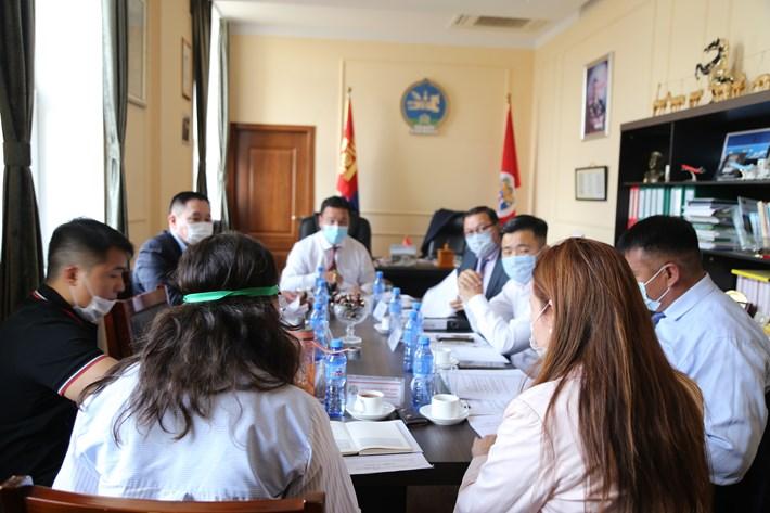 Хан-Уул дүүргийн иргэдийн төлөөлөгчдийн хурлын тэргүүлэгчид хуралдлаа