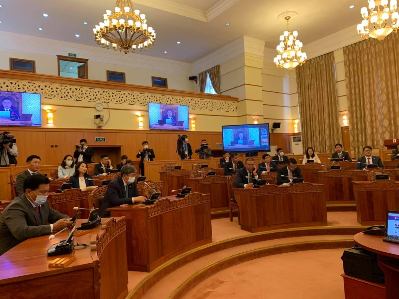 Монгол Улсыг 2021-2025 онд хөгжүүлэх таван жилийн үндсэн чиглэлийг батлах тухай тогтоолын төслийг хэлэлцэж байна