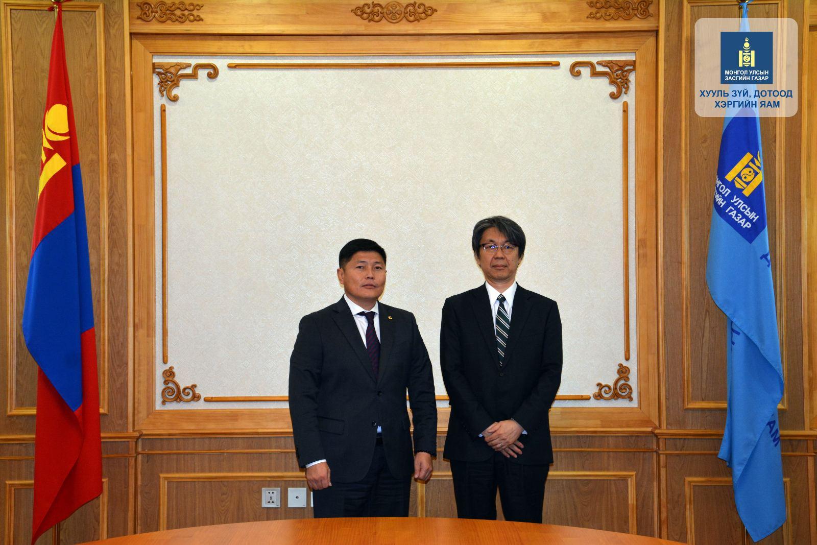 Япон Улсын Элчин сайдыг хүлээн авч уулзлаа