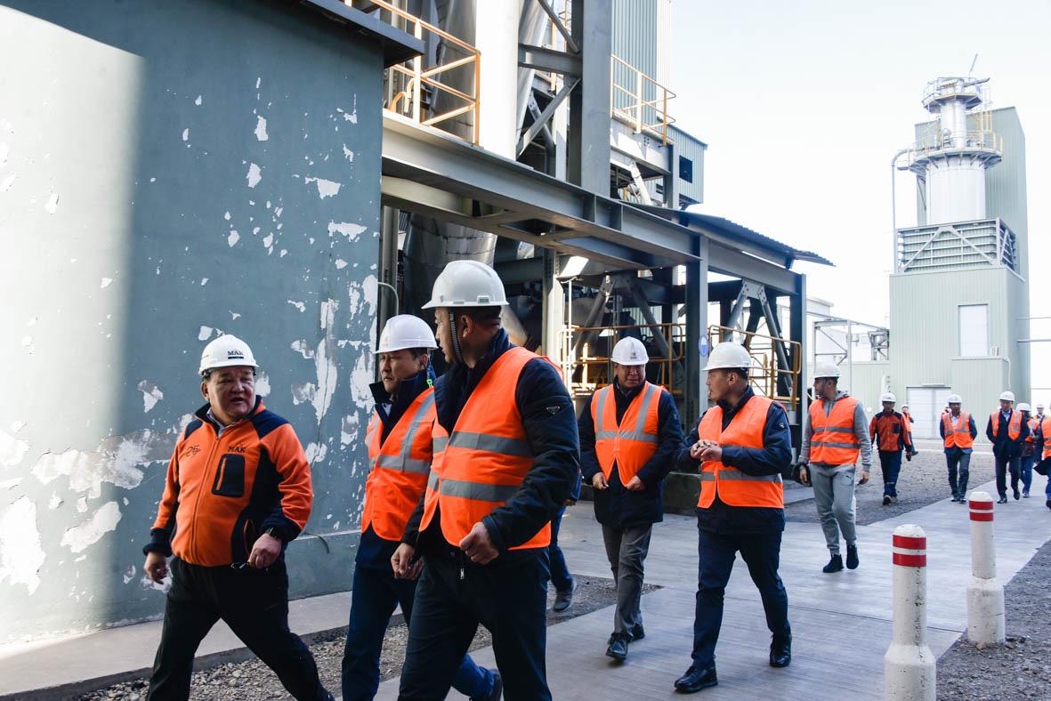Үйлдвэржилтийн бодлогын байнгын хорооны гишүүд орон нутагт ажиллаж, барилгын материалын үйлдвэрлэл эрхлэгчидтэй уулзлаа