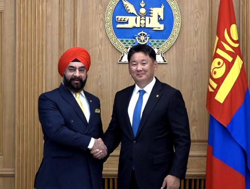 Ерөнхий сайд У.Хүрэлсүх БНЭУ-аас Монгол Улсад суугаа Элчин сайд М.П.Сингхийг хүлээн авч уулзав