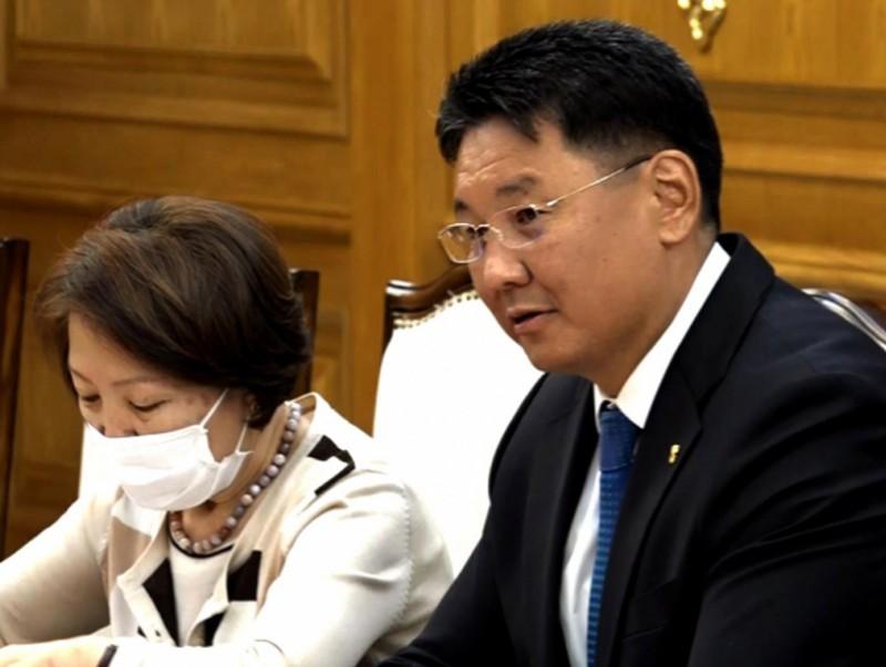 Монгол Улсын Ерөнхий сайд У.Хүрэлсүх ОХУ-ын Элчин сайд И.К.Азизовыг хүлээн авч уулзав