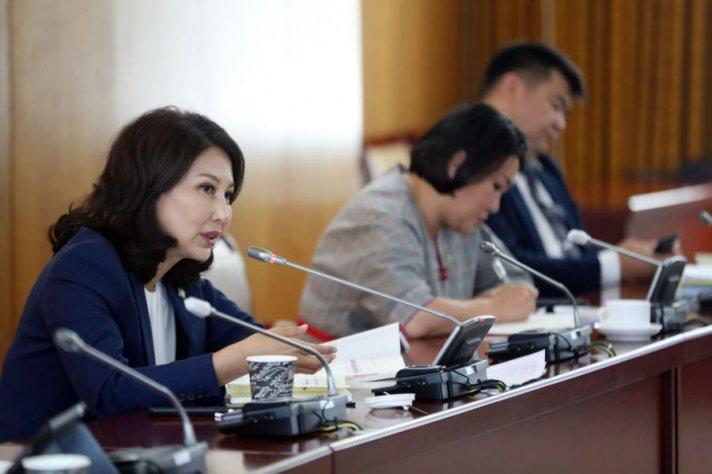 Б.Баярсайхан: Ирэх 4 жилд Монгол Улс бүх цэцэрлэг, сургууль, дотуур байрныхаа модон жорлонг хална