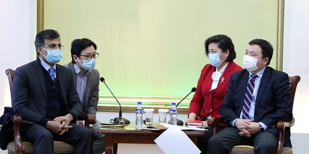 Азийн хөгжлийн банкны суурин төлөөлөгчтэй зээлийн хэлэлцээрийг түргэвчлэх асуудлаар ярилцжээ