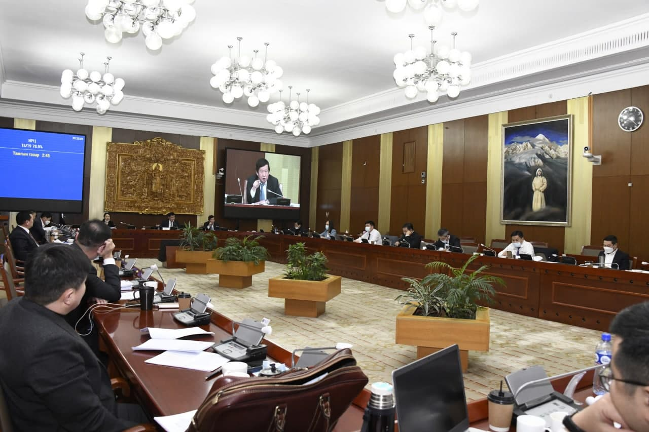 Монгол Улсын шүүхийн тухай хуулийн шинэчилсэн найруулгын төслийн анхны хэлэлцүүлгийг үргэлжлүүллээ